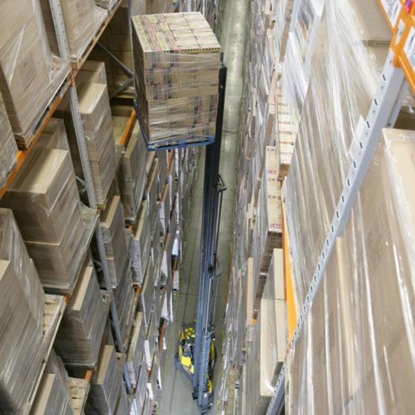 carrelli elevatori speciali corsie strette aisle master 20whe 25whe 30whe