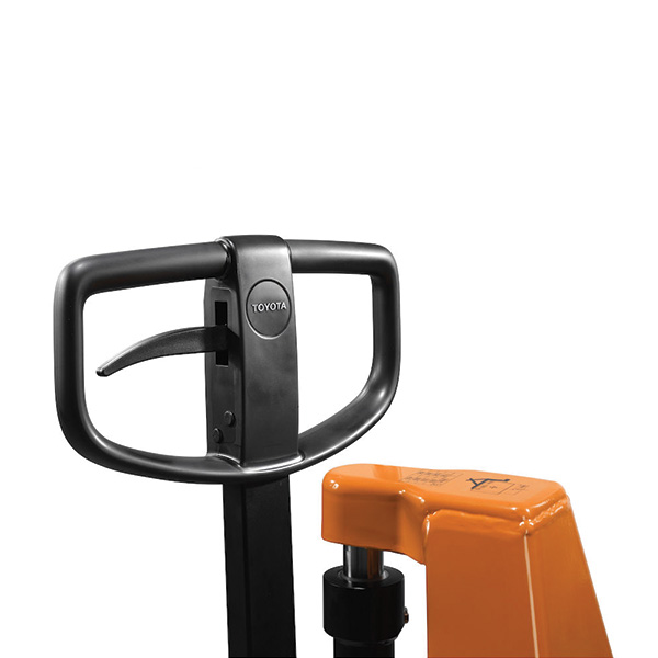 timone transpallet manuale toyota bt lifter