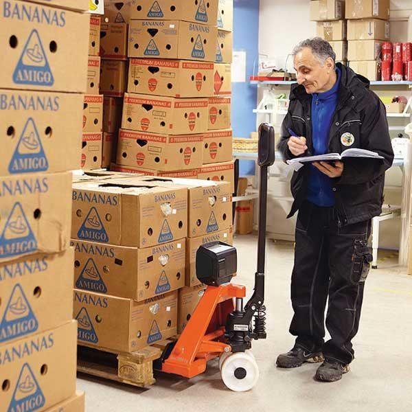 transpallet manuale toyota bt lifter pesatura carico magazzino